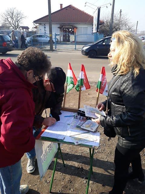 Hatvanban is elindult az aláírásgyűjtés Trianon felülvizsgálatáért