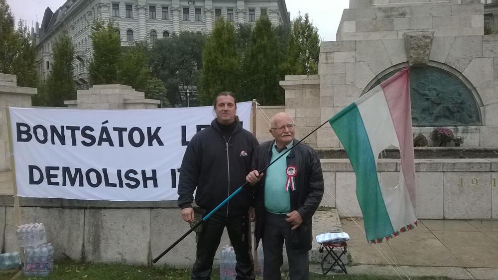 Tanács Orbán Viktornak
